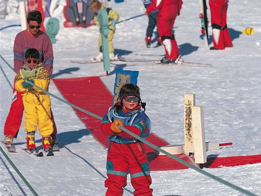 Caring environment for the children to have their first taste of skiing